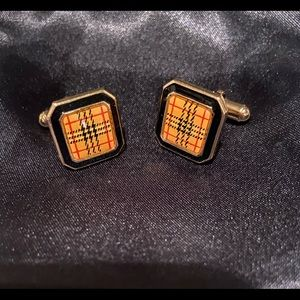 Vintage Burberry cuff links. Great condition!